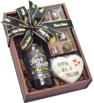 Caixa de Madeira com produtos P1 (cerveja)